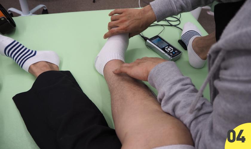 04 麻痺側の足の促通反復療法 30分